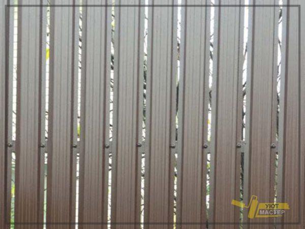 Забор из металлического штакетника 19 мп