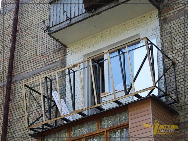 Остекление балкона 3 м2